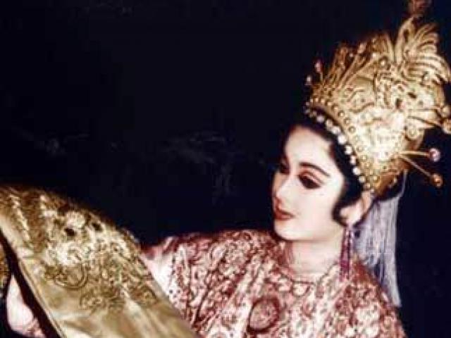 Hoàng hậu nổi tiếng Việt Nam, làm vợ của 2 hoàng đế triều trước triều sau gây nhiều tranh cãi