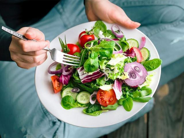 Ăn chay có tốt không? Những tác hại khó lường của việc ăn chay