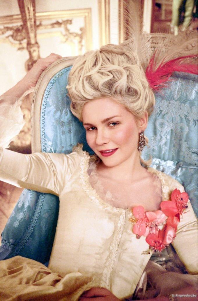 Được Mozart hỏi cưới từ bé, nữ hoàng Pháp lấy chồng dùng đủ chiêu tút nhan sắc vẫn thất sủng