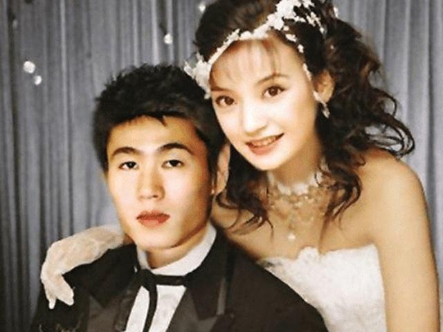Ngôi sao 24/7: Lộ ảnh cưới của Triệu Vy và bạn trai VĐV đình đám xứ Trung thời quá khứ