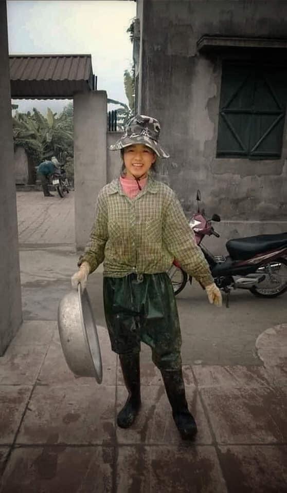 Trước khi lộng lẫy muôn kiểu váy áo, tân Hoa hậu Đỗ Thị Hà từng gắn bó đồ làm nông - 4