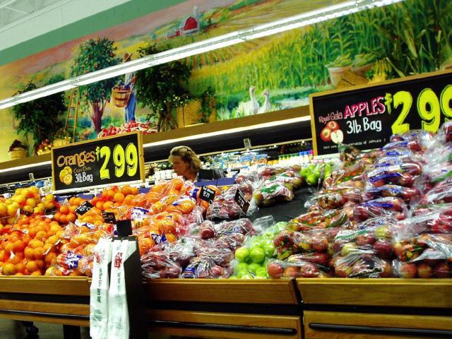 Giá siêu thị kết thúc bằng số 9,99,... chiêu trò bất ngờ chị em thắc mắc bấy lâu là đây