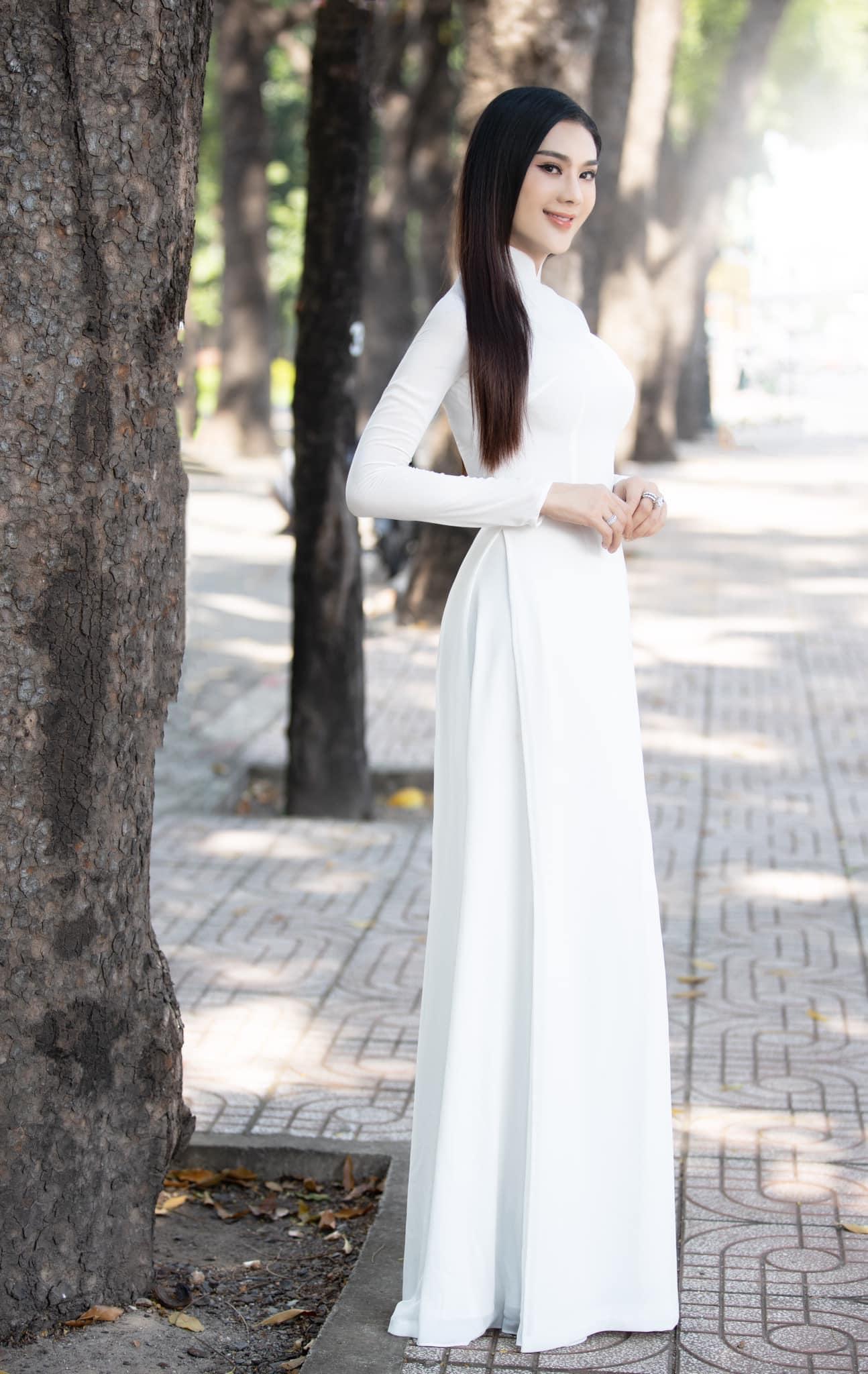 Ngày nào diện áo dài trắng bị gọi amp;#34;thảm hoạamp;#34;, Lâm Khánh Chi giờ đẹp vượt luôn Hương Giang - 1