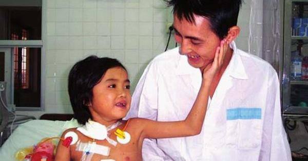 Tin tức 24h: Xót xa em bé đầu tiên được ghép gan cách đây 16 năm đã qua đời