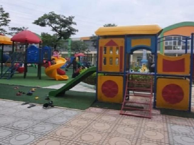 Hà Nội: Bé 4 tuổi gặp tai nạn phải nhập viện khi hoạt động ngoài trời ở trường mầm non