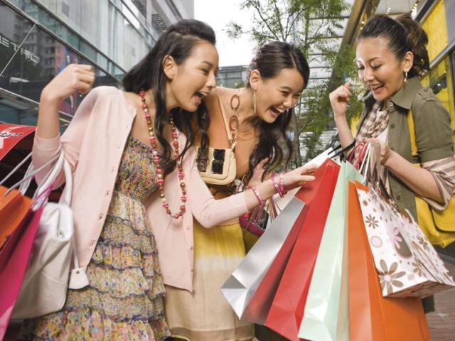 Bão sale 12/12: Loạt mặt hàng 1.000, 2.000 đồng, sàn thương mại điện tử giảm tụt giá cuối năm