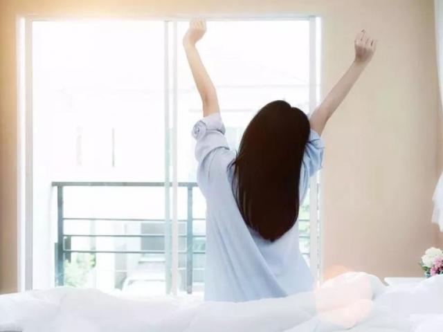 Dậy sớm còn hại hơn thức khuya nếu mắc sai lầm này, nhiều người tưởng mình làm đúng