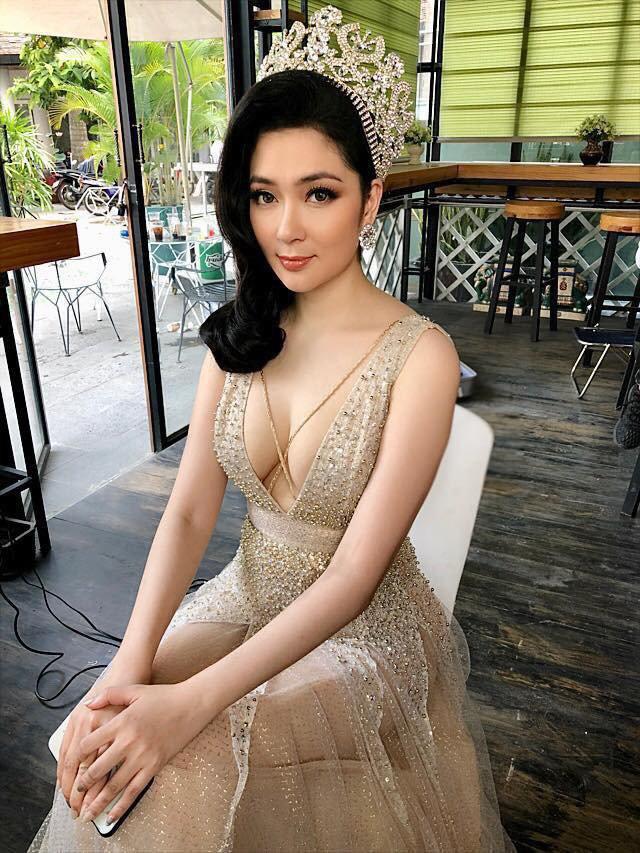 Ngược đời tăng liền 16kg, hoa hậu Nguyễn Thị Huyền vẫn được ca tụng hết lời