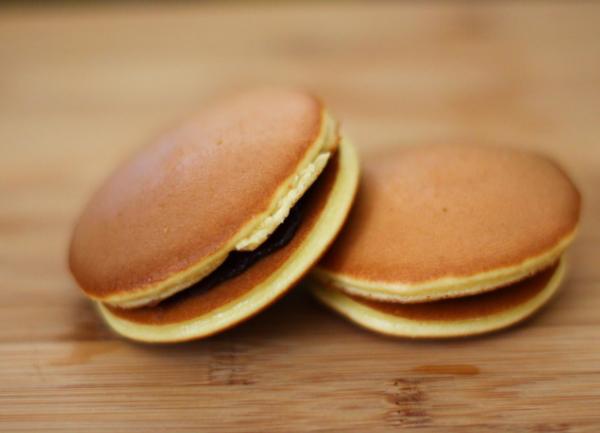 Cách làm bánh rán Doremon (Dorayaki) ngon đơn giản tại nhà - 17