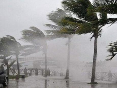 Bão số 7 đã gây mưa to gió giật nhiều nơi trên đất liền: Tâm bão vào những tỉnh nào?
