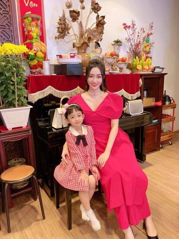 2 chị em gái cùng trở thành Á hậu, lấy chồng đại gia, sống nơi người thường không có được - 7